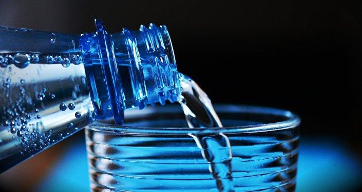 Botella de agua (imagen referencial)