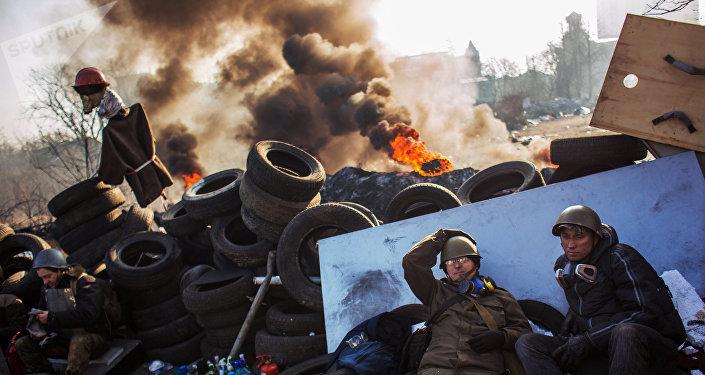 Los opositores en la calle Institútskaya en Kiev el 21 de febrero de 2014 (archivo)