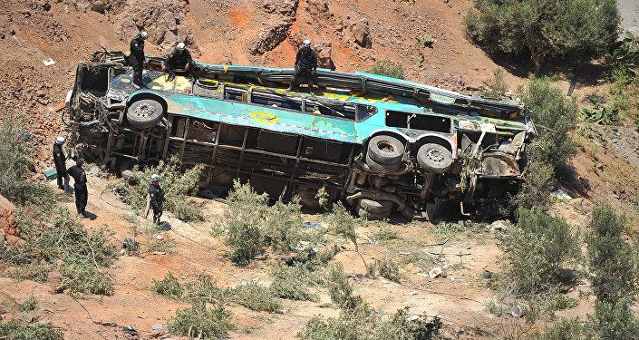 Vuelco del autobús en Perú