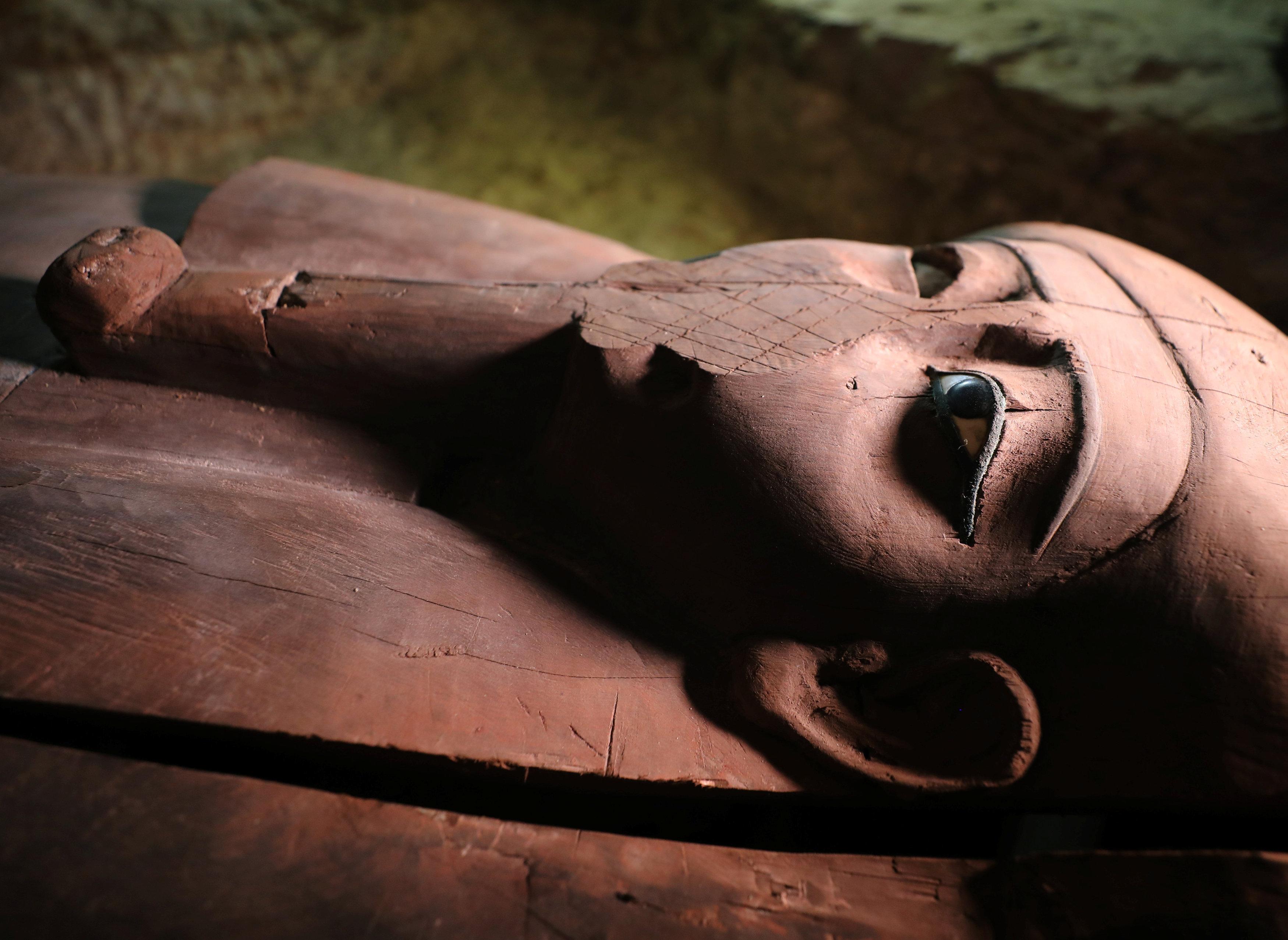 Uno de los sarcófagos hallados en la provincia de Minia