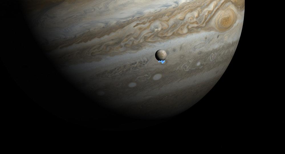 Penachos de agua en Europa, satélite de Júpiter (imagen artística)