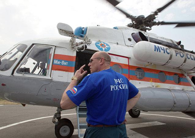 Un empleado del Ministerio de Emergencias de Rusia (archivo)