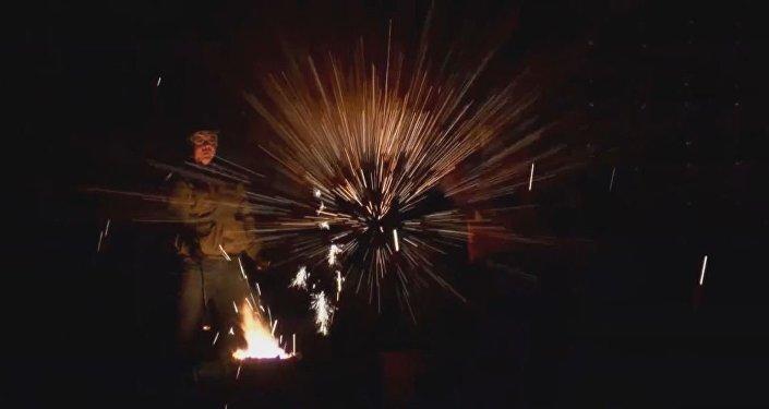 Los herreros chinos juegan con fuego