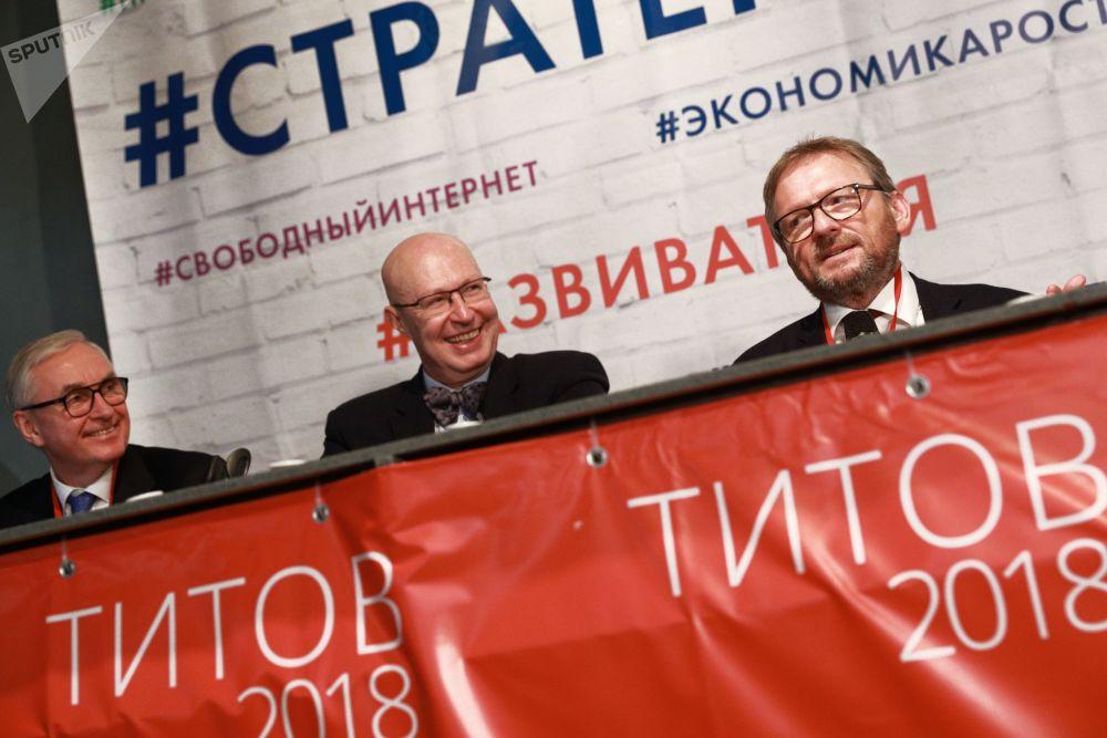 El candidato a la Presidencia de Rusia por el Partido del Crecimiento, Borís Titov, durante un encuentro con sus partidarios