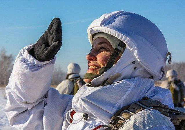 El entrenamiento de las unidades de mujeres de propósitos especiales en la región de Tambov