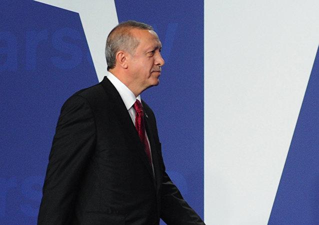 Recep Tayyip Erdogan, presidente de Turquía, en la cumbre de la OTAN en Varsovia (archivo)