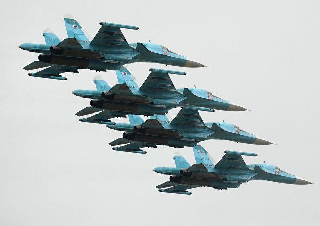Cazas rusos Su-34 (archivo)