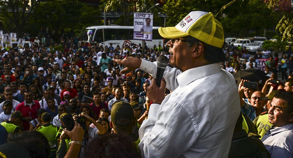 Gustavo Petro, precandidato de izquierda colombiana en las elecciones
