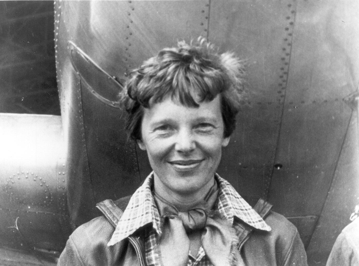 Amelia Earhart, aviadora estadounidense