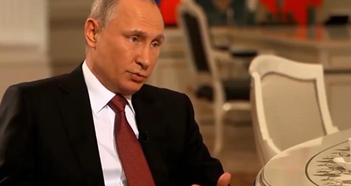 Putin revela la causa del hundimiento del submarino ruso Kursk