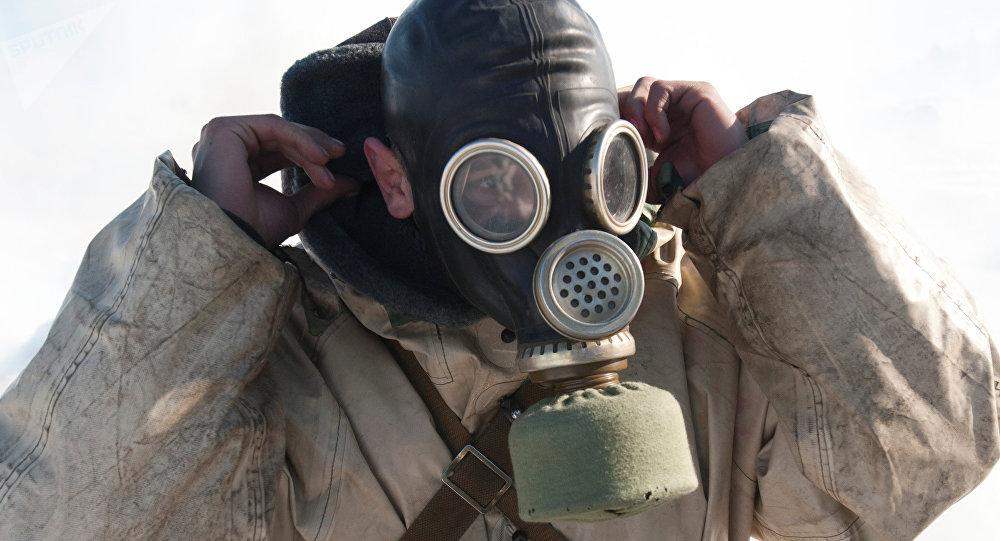 Un soldado con máscara de gas (imagen referencial)