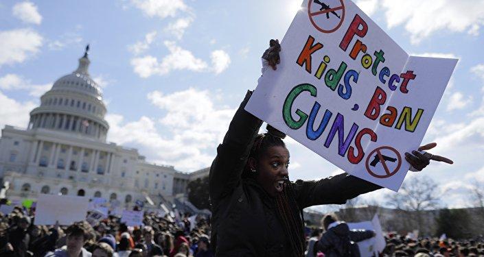 Manifestación de estudiantes que exigen el control estricto de la venta de armas en EEUU