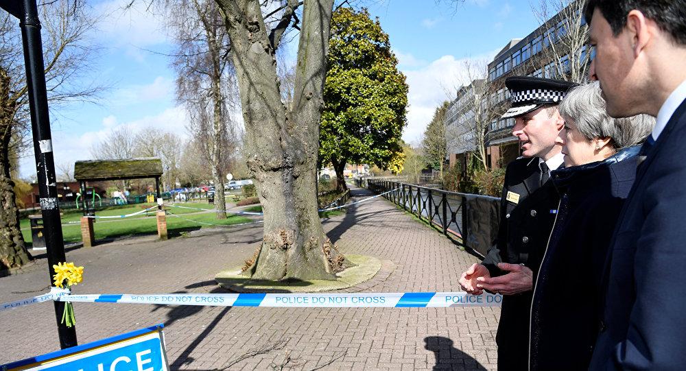 Theresa May visita la ciudad donde Skripal fue envenenado