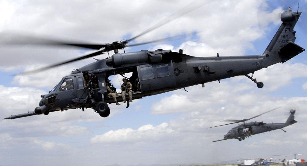 Los helicópteros HH-60 Pave Hawk de EEUU durante unas maniobras (archivo; 2010)