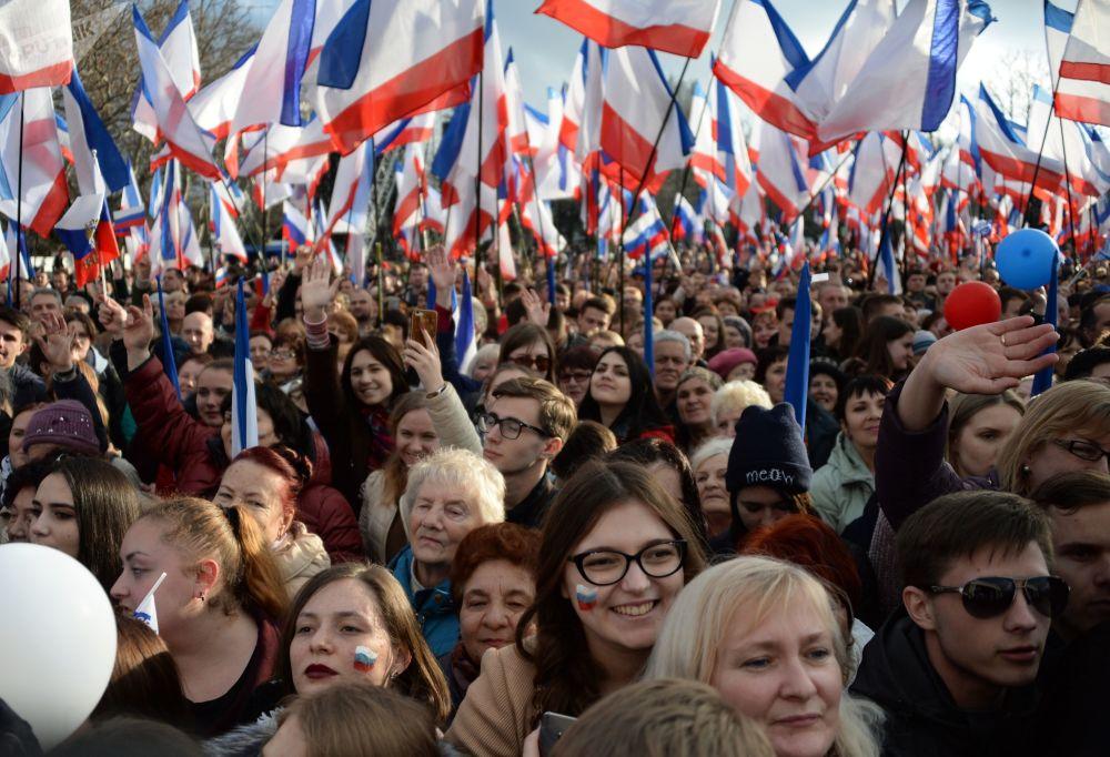 Aurora boreal, baño helado y elecciones presidenciales: las mejores fotos de la semana