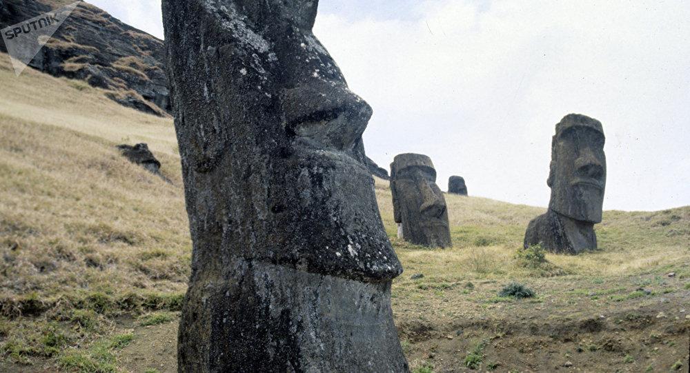Moáis, estatuas de la isla de Pascua (archivo)
