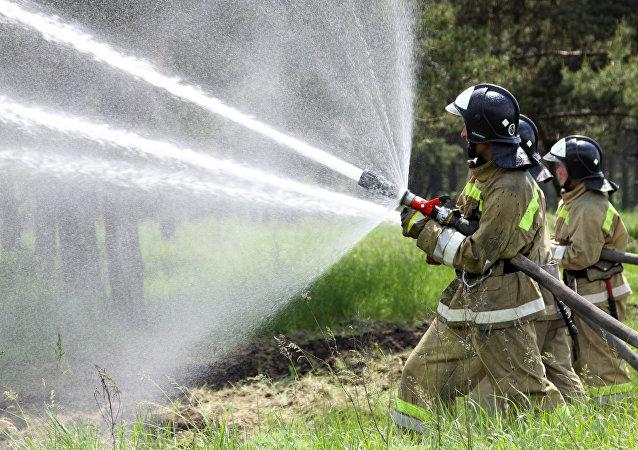 Unos bomberos (imagen referencial)
