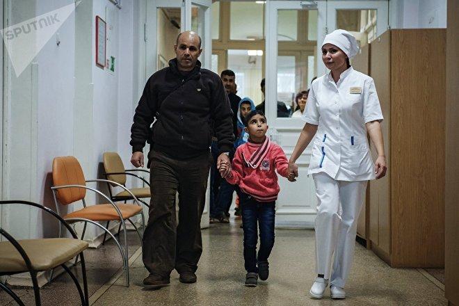 Un grupo de niños sirios con enfermedades crónicas llega a San Petersburgo (Rusia) para ser tratados en el Hospital de la Academia Médico-Militar S. M. Kírov, el 16 de noviembre de 2017