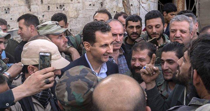 Bashar Asad, presidente de Siria, visita a los militares en Guta Oriental, marzo de 2018