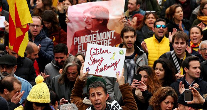 Los catalanes protestan tras la detención de Puigdemont