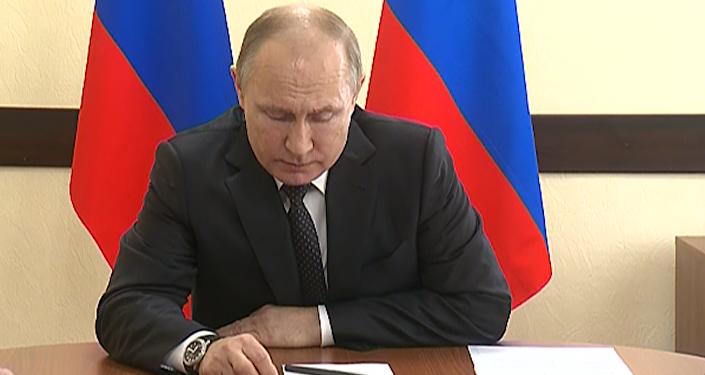 No provoca llorar, sino anegarse en llanto: Putin comenta la tragedia en Kémerovo