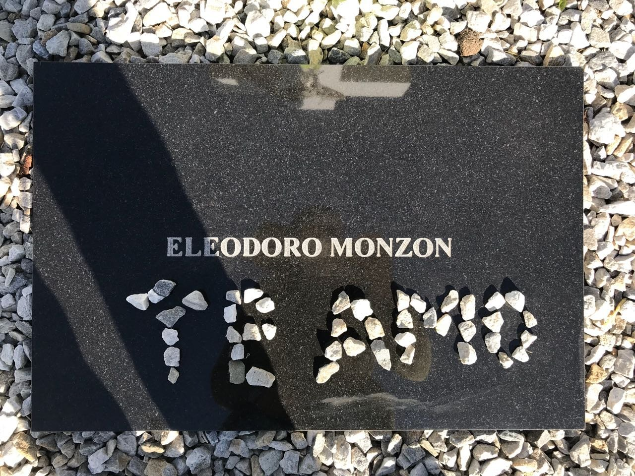 Tumba del soldado argentino caído en Malvinas Eleodoro Monzón