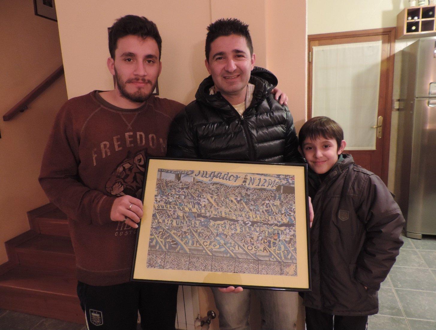 Tomás Castellani con amigos