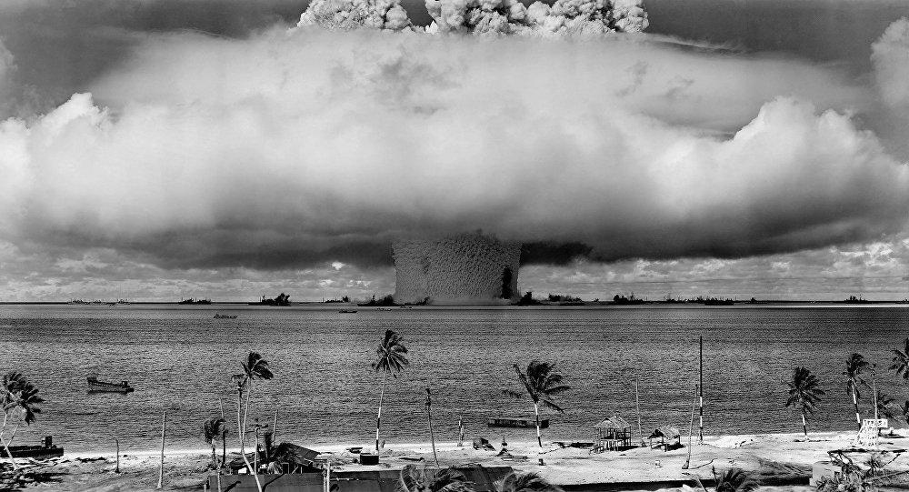 Una bomba explota en el mar (archivo)