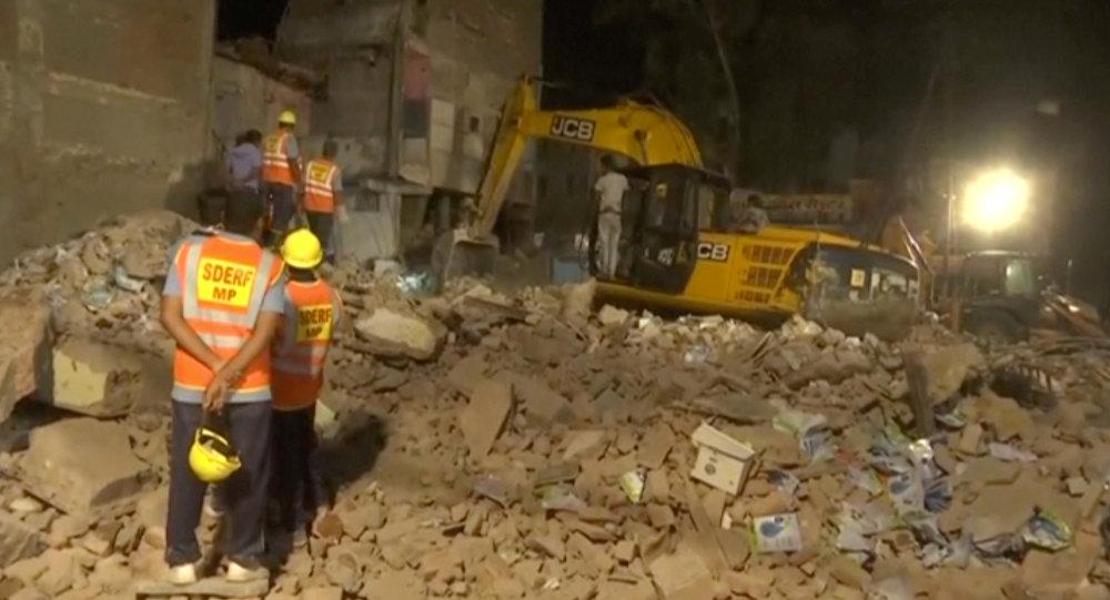 Varios muertos al colapsar un edificio de cuatro plantas en la ciudad india de Indore