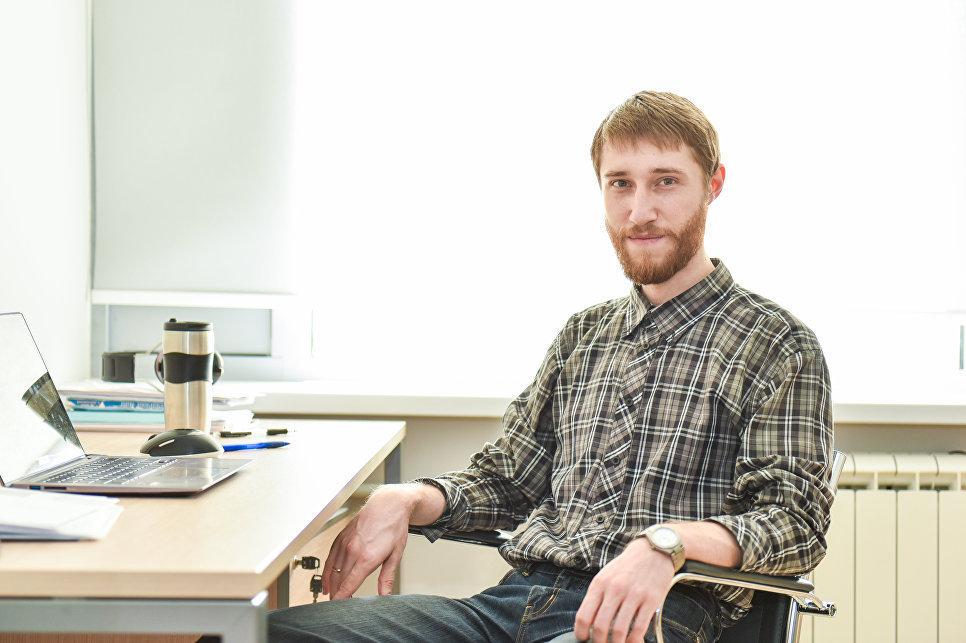 Serguéi Brazovski, director del proyecto de investigación Teoría de estados electrónicos en materiales laminares localmente ajustados de la NUST MISIS