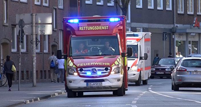 Una ambulancia en el lugar en el que una furgoneta embistió una multitud en Munster el 7 de abril de 2018