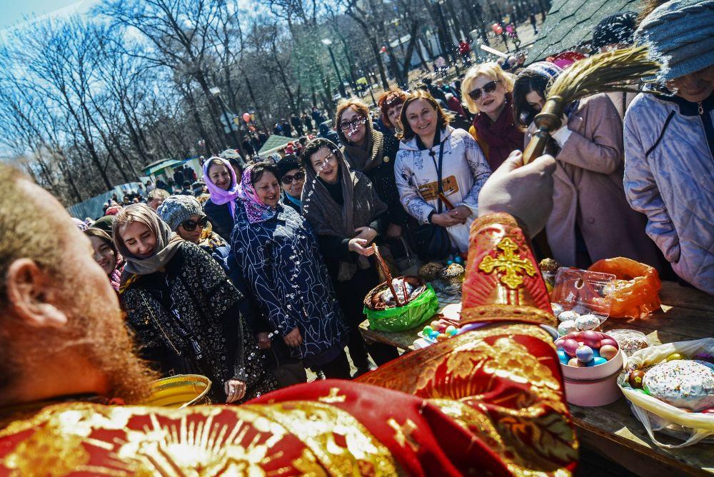 Pasteles de Pascua y huevos pintados: así se celebra en Rusia la Resurrección de Cristo