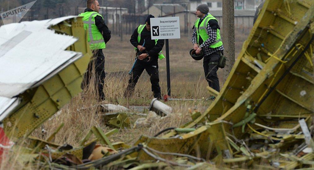 Los expertos holandeses en el sitio del siniestro del Boeing malasio