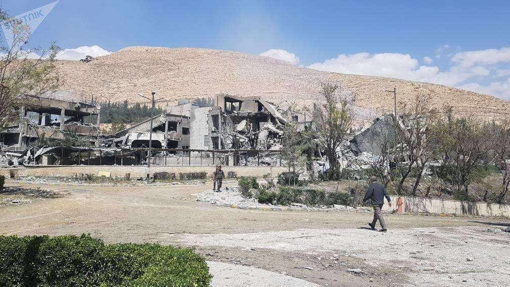 Las consecuencias del bombardeo del municipio de Barzeh