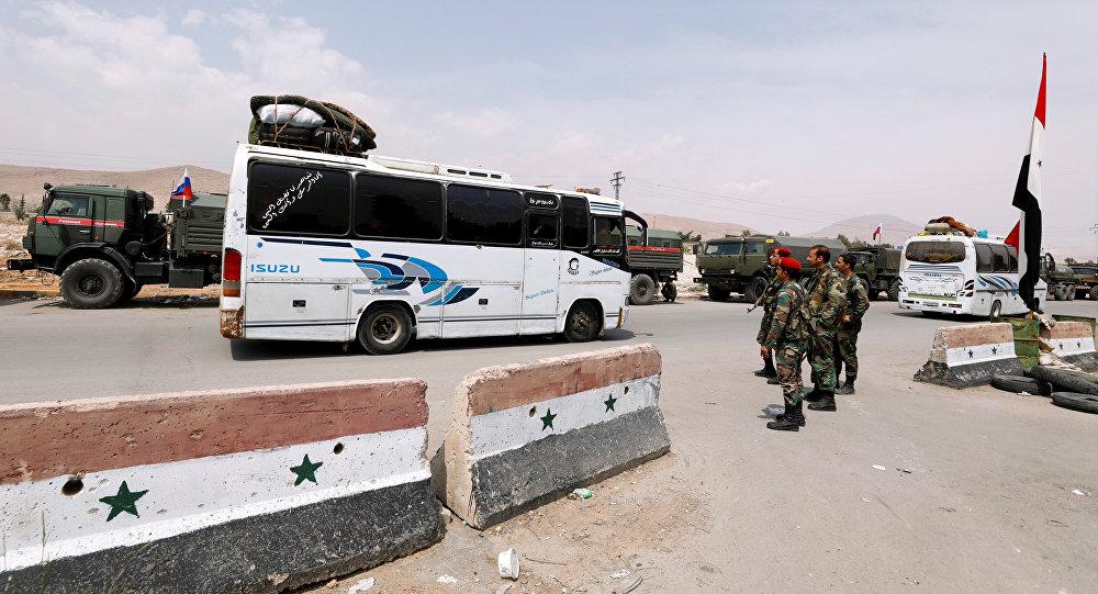 La evacuación de radicales y sus familiares de la ciudad siria de Duma