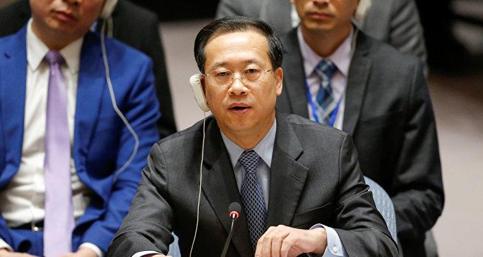 El embajador de China en las Naciones Unidas, Zhaoxu, habla durante la reunión de emergencia del Consejo de Seguridad de las Naciones Unidas sobre Siria