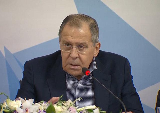 El ministro de Exteriores ruso revela qué sustancia envenenó a los Skripal