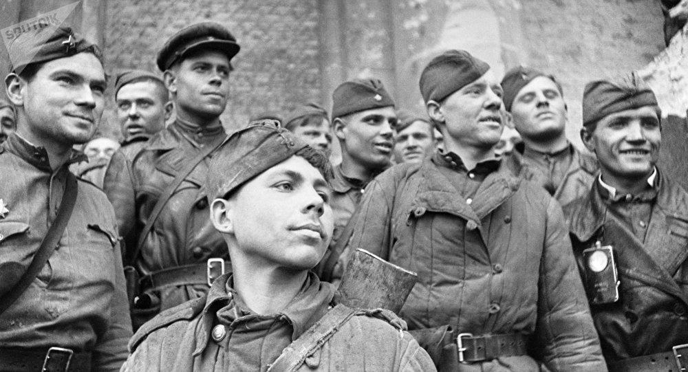 Soldados soviéticos en Berlín, abril de 1945
