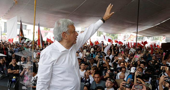 Andrés Manuel López Obrador, aspirante a la presidencia de México
