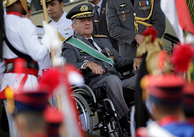 Eduardo Villas Boâs, comandante del Ejército brasileño