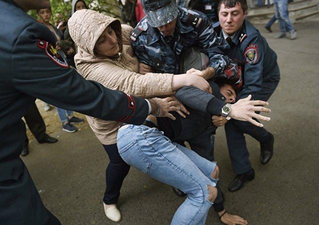 Disturbios en Ereván, Armenia