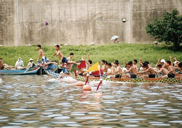 Barcos dragón chinos
