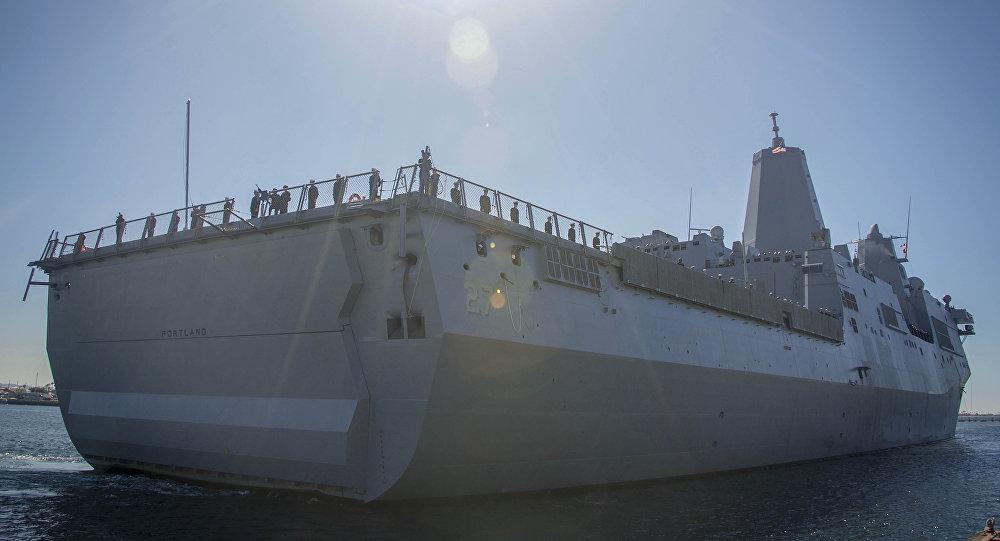 El buque de asalto anfibio USS Portland (LPD-27)