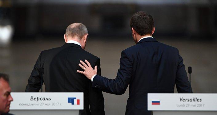 Vladímir Putin y Emmanuel Macron en 2017