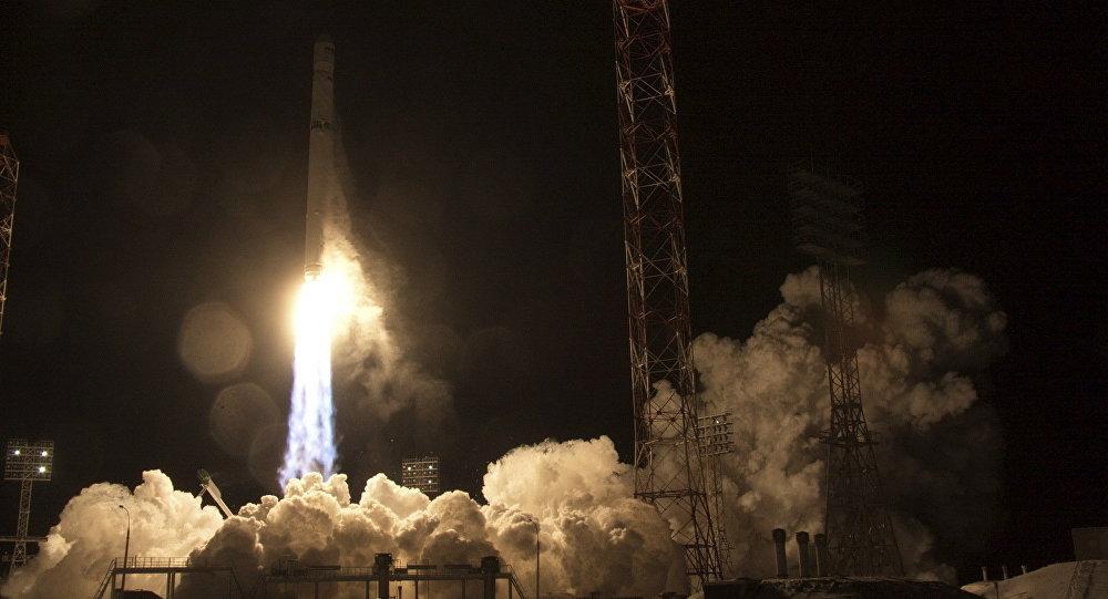 Lanzamiento del satélite Angosat-1