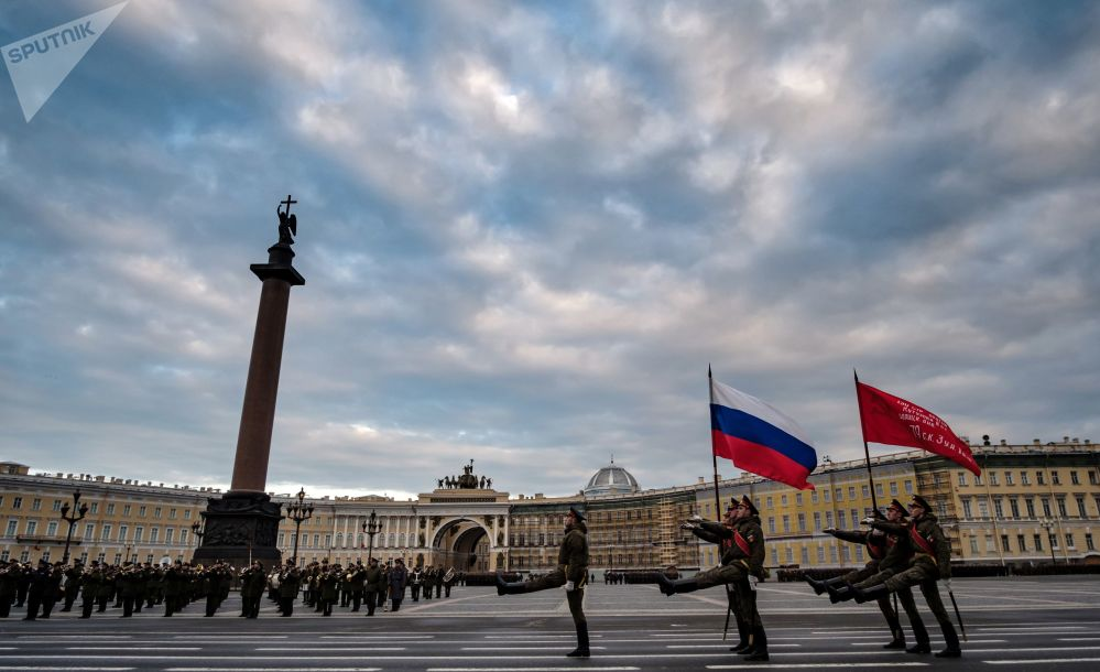 Primer ensayo del desfile del Día de la Victoria en San Petersburgo