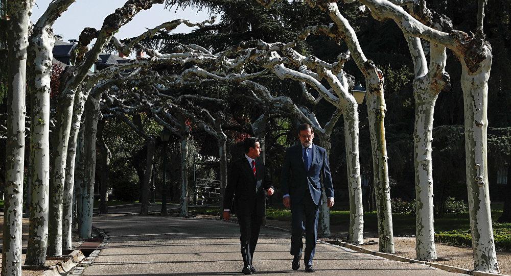 El presidente del Gobierno español, Mariano Rajoy, y el presidente de México, Enrique Peña Nieto