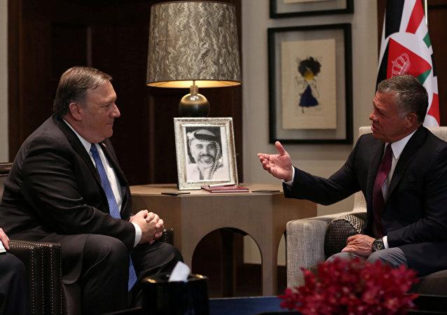 El secretario de Estado de EEUU, Mike Pompeo, y el rey Abdullah de Jordania