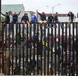 Migrantes centroamericanos en la frontera entre México y EEUU