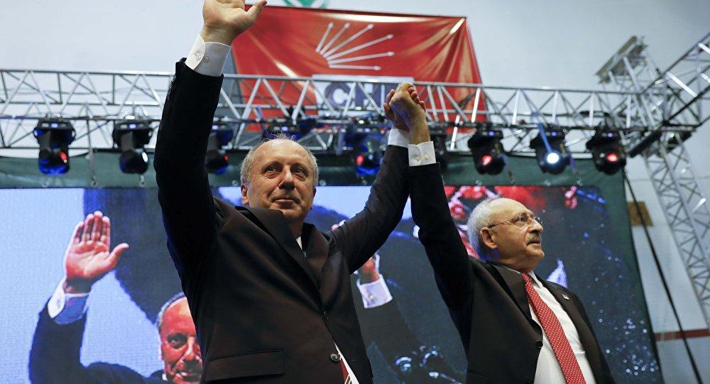 Muharrem Ince (izquierda), candidato presidencial turco